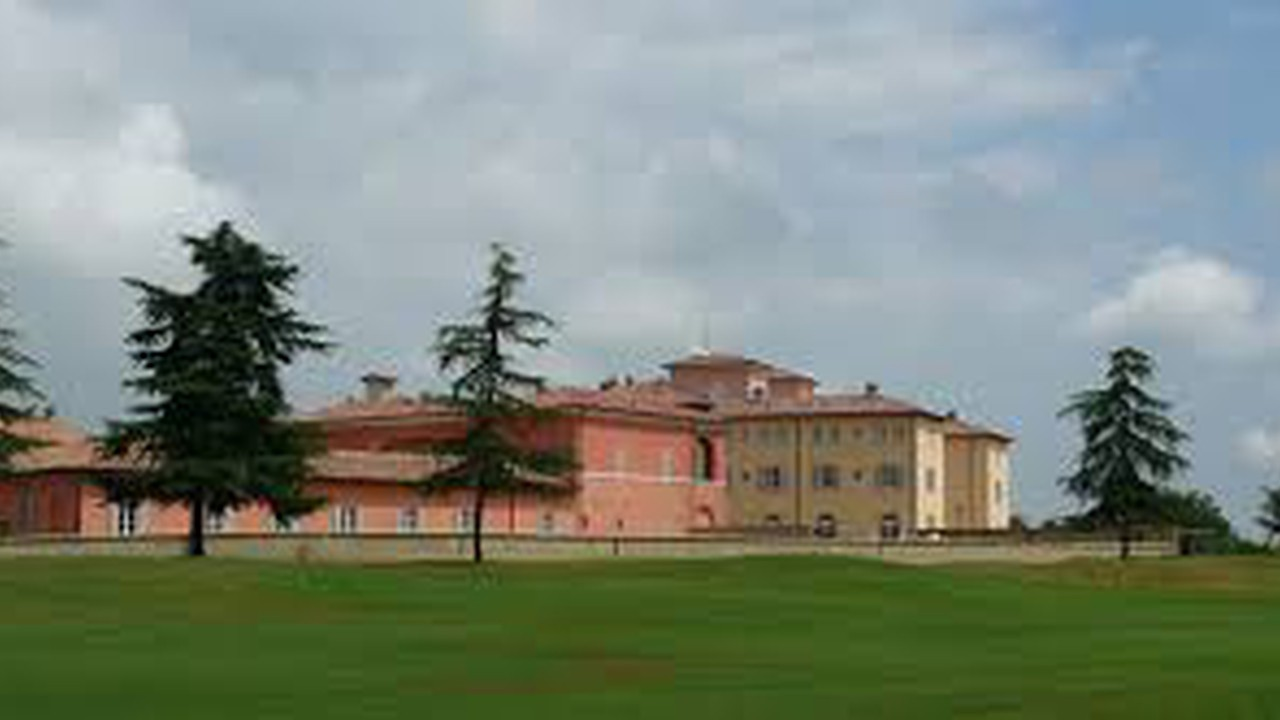 Matilde Di Canossa Golf Resort